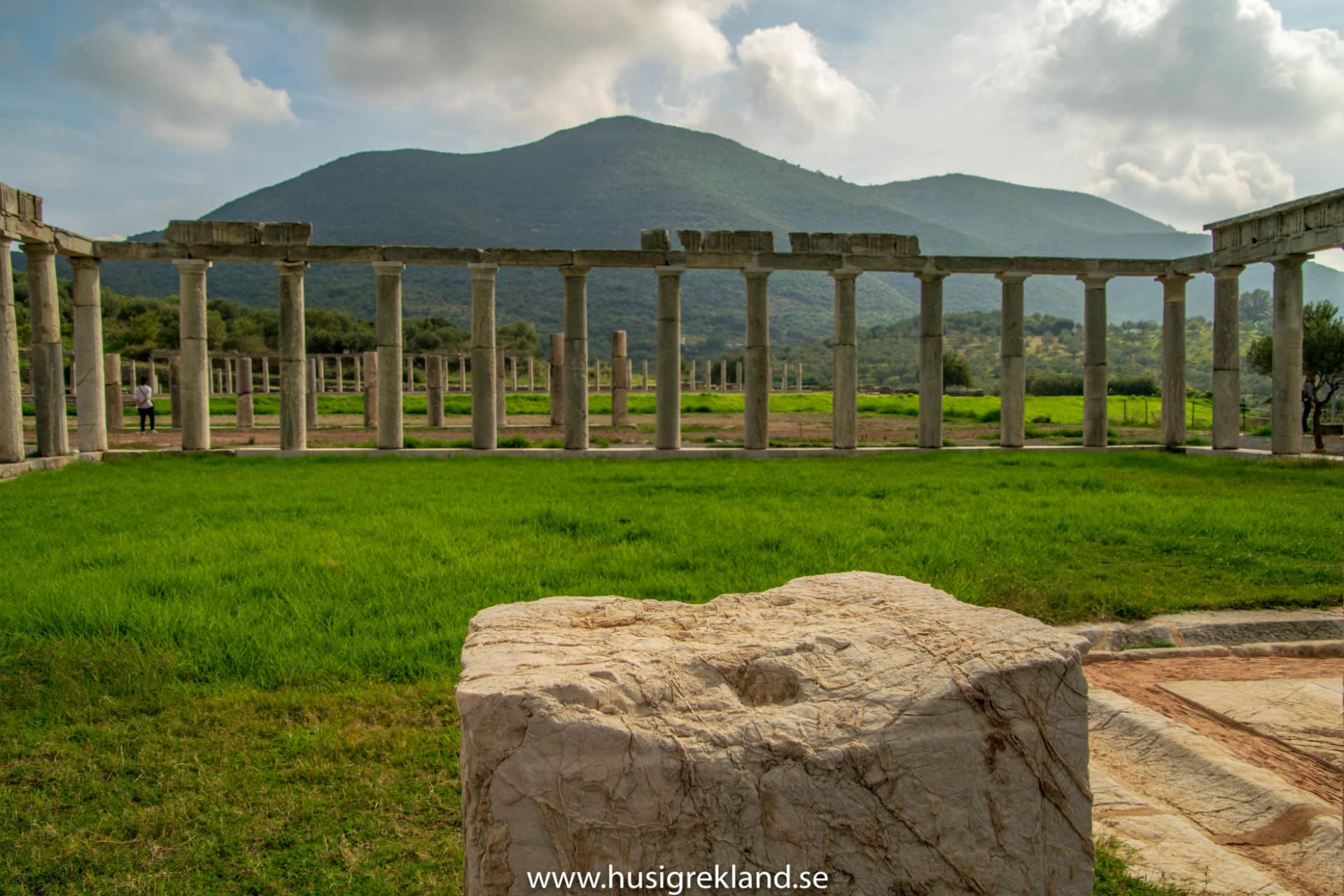 live-permanently-peloponnese-discover-ancient-messini