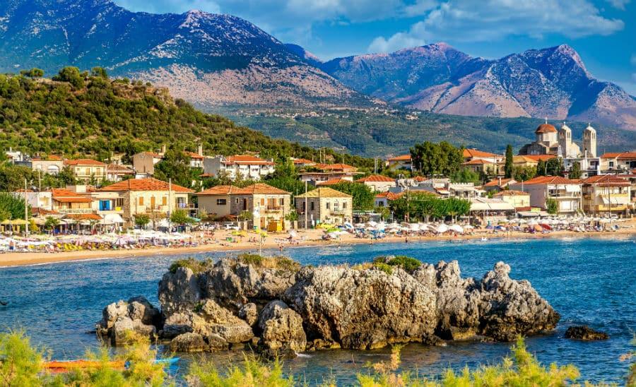 coronavirus live in greece